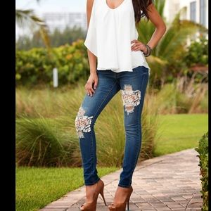 Skinny jeans with lace patches